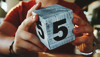 Building block with the number 5